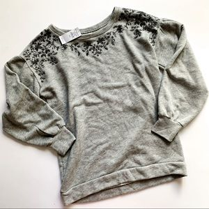 American Eagle• grey floral embroidered sweater